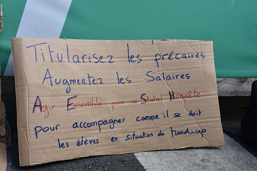 Resistances Caen Manifestation Des Precaires De L Education